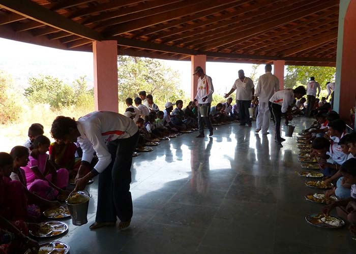 Narayan Seva under Sri Sathya Sai Village Integrated Program, Maharashtra and Goa,Dharmakshetra